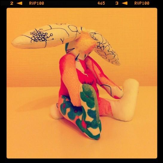 Шьем cozy зайца в подарок