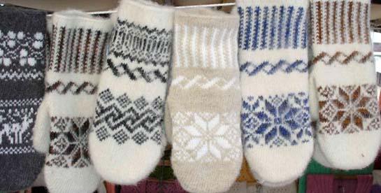 теплые варежки и носки