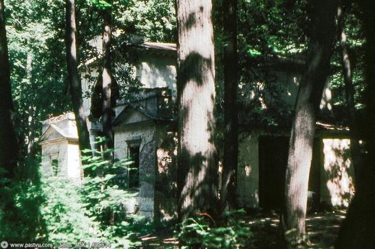 Музей-заповедник Царицыно. Руины павильона ''Миловида'' 1986
