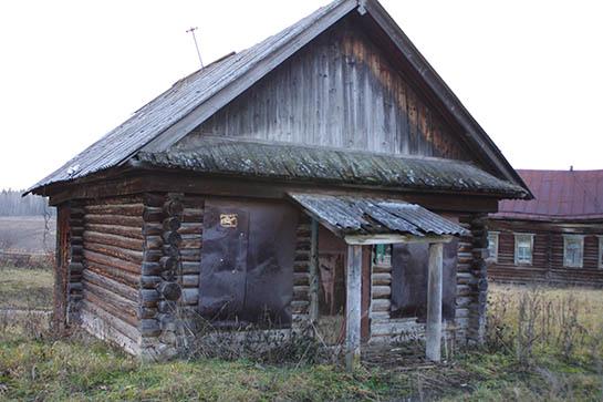 Брошенный дом в Малом Турыше