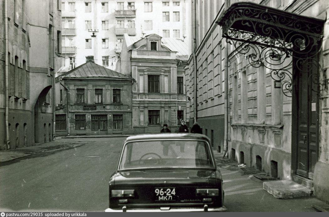 Казарменный переулок