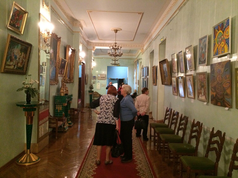 kartinnaya galereya-vystavka rabot chlenov Dona Uchenih